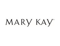Alisha Heger-Hansen with Mary Kay