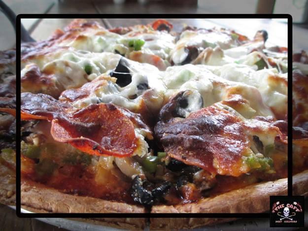 Gallery Image TheGaff_Pizza.jpg