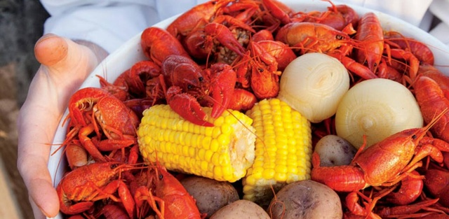 Gallery Image MobyDicks_Crawfish.jpg