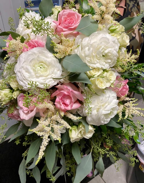 Gallery Image the-floral-reef-port-aransas-texas-flowers-bridal-bouquet.jpg
