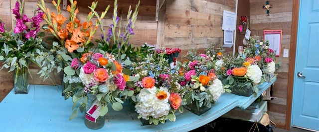 Gallery Image the-floral-reef-port-aransas-texas-flowers-orders.jpg