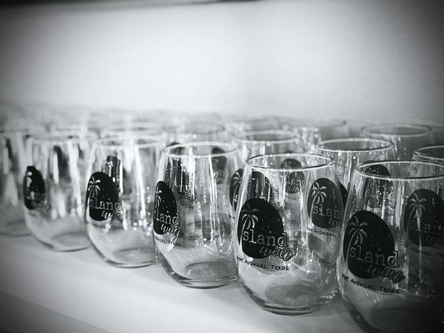 Gallery Image island-wine-port-aransas-tx-wine-glasses.jpg