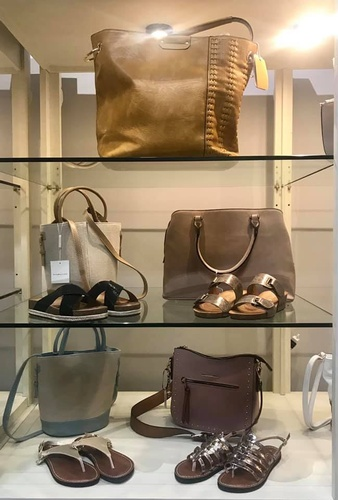 Gallery Image Bee%20Southern_accessories_2019_FB%20pic.jpg