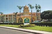 La Quinta Inns & Suites Santa Ana