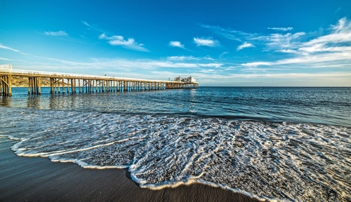 Gallery Image bigs-Malibu-Pier-from-north-before-sunset-blue-sky-161180849-Large-e1486591588363.jpg