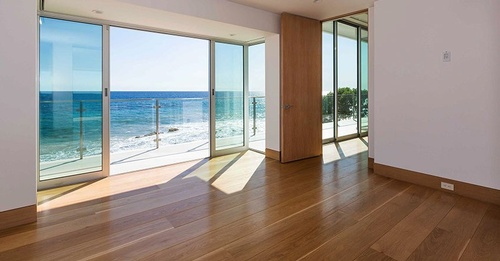 Gallery Image Malibu-glass-windows.jpg