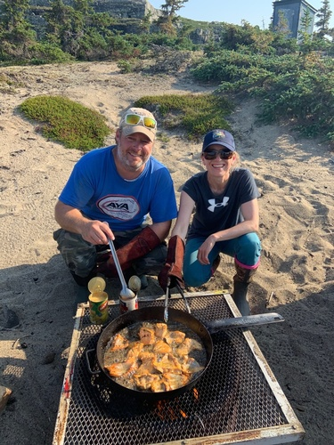 Gallery Image Fresh-Fish-Fry-Shore-Lunch-at-Petersons-Point-Lake-Lodge.jpg