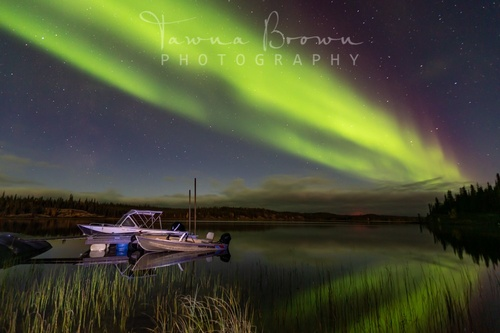 Gallery Image boat%20and%20northern%20lights%20photo.jpg