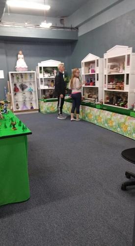 Gallery Image Barbie%20Displays.jpg