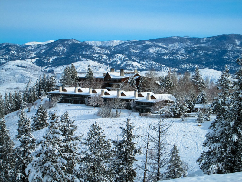Gallery Image Snowy%20Lodge.jpg