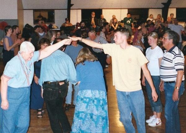 Gallery Image dance-3.jpg