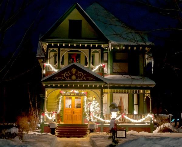 Gallery Image lacc-gzcm-ev__signature-christmas-inn-tour-3.jpg