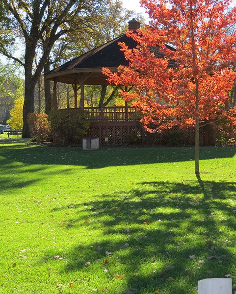 Gallery Image fall-into-lanesboro-sylvan-park-3.jpg