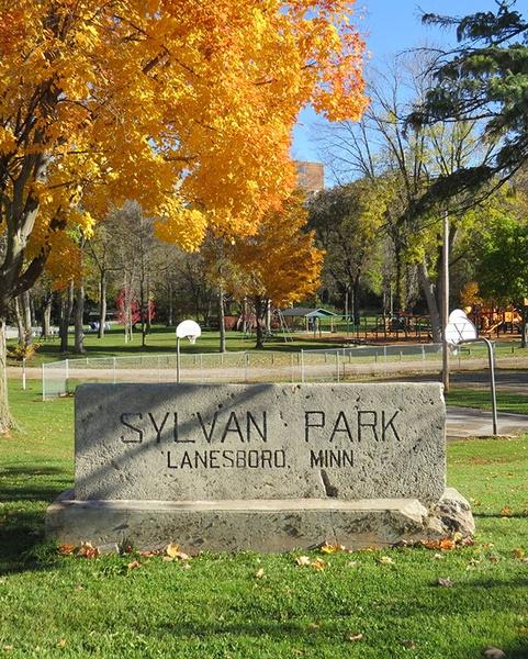 Gallery Image fall-into-lanesboro-sylvan-park.jpg