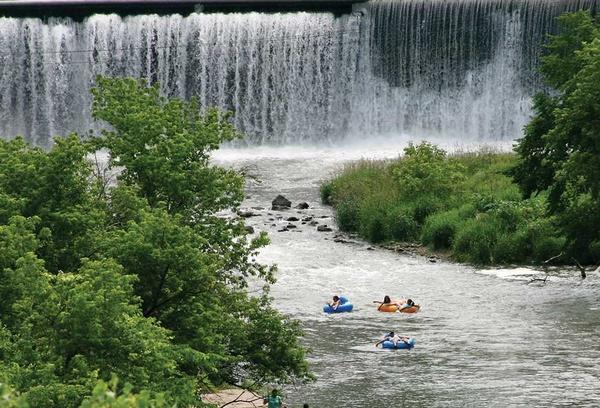 Gallery Image present-activities-dam-tubing.jpg