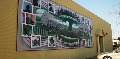 Gallery Image Mural-at-City-Hall-999x499.jpg