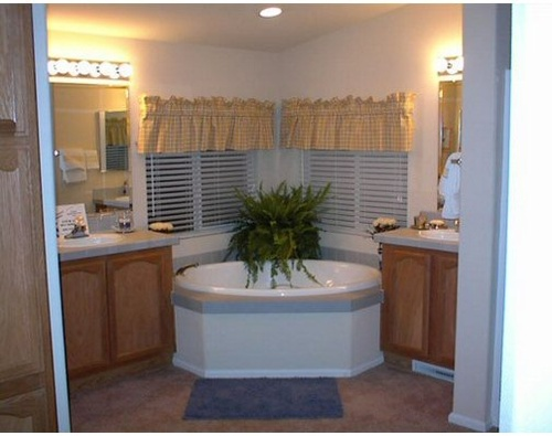 Gallery Image Manufactured-Homes-40523a-bathroom.jpg