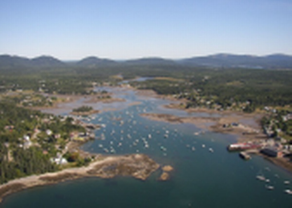 Bass Harbor Cottages & Country Inn