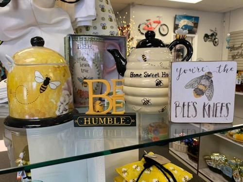 Gallery Image Bees%20Knees%203.jpg