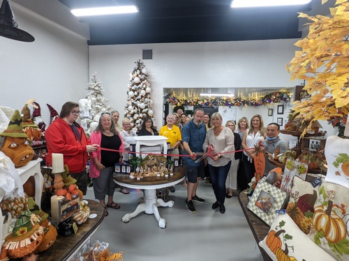 Gallery Image Picture_082721_ChristmasSpecialists_1.jpg