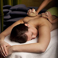 Gallery Image Best%20Day%20Spa%20hot%20herbal%20massage.jpg
