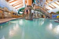 Gallery Image Water%20Park%20pool%20and%20slides.JPG