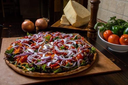 Gallery Image 0059-salad-pizza-1024x683.jpg