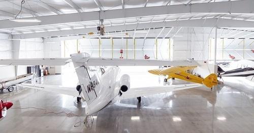 Gallery Image hangar-017.jpg