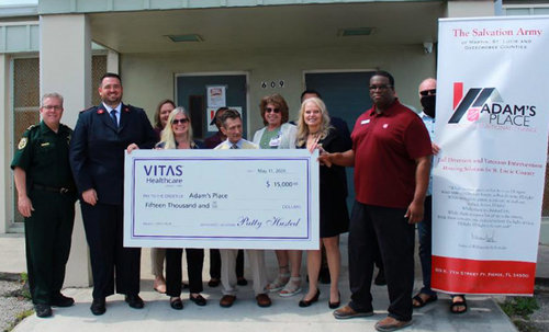 VITAS proudly donates to a homeless veterans men�??????�?????�????�???�??�?�¢??s shelter in Fort Pierce.