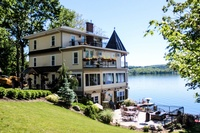 Steamboat Castle Bed and Breakfast