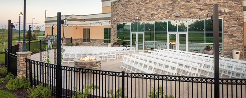 Gallery Image Beardmore%20wedding%20outside.jpg