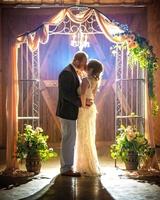 Gallery Image Kansas_wedding_couuple_fall_fultonvalleyfarms_wedding_kiss.jpg