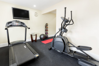 Gallery Image thumbnail_04.%20Fitness%20Center.jpg