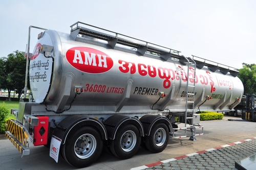 Gallery Image Stainless%20Steel%20Sanitary%20Trailer_190919-031206.JPG