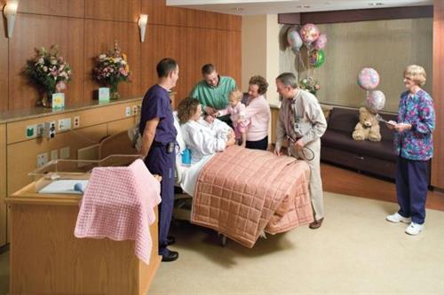 Gallery Image CRMC_MaternityRoom.jpg