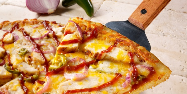 Gallery Image schlot.BBQ%20Chicken%20and%20Jalapeno%20Pizza_874x440.jpg