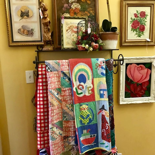 Gallery Image cottage.quilt.jpg