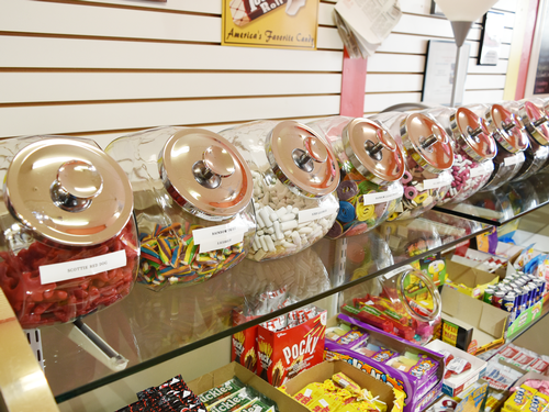 Fill your sweet tooth with all your old favorite candy while in Mount Dora