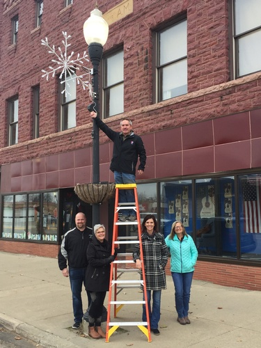 2017 PACF Project - Downtown Snowflakes. Photo by Tom Steffes
