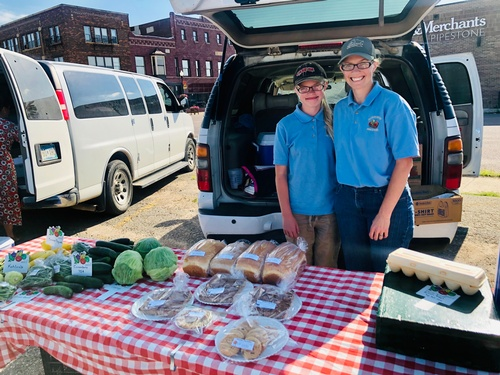 Boverhof Produce - Pipestone Farmers Market Vendor - Photo by Erica Volkir