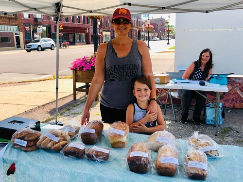 Wicked Good Bakery - Pipestone Farmers Market Vendor - Photo by Erica Volkir