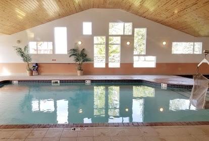 Pool (photo by Cynthia Hoberg)