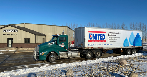 Gallery Image Growmark%20Lubricants%20with%20United%20Truck%20from%20website.png
