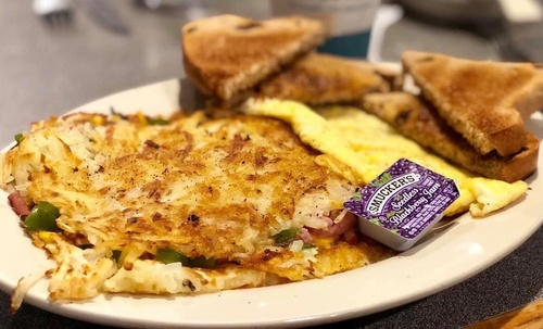 Stuffed Hash Browns at Lange's Cafe & Bakery (photo by Erica Volkir)