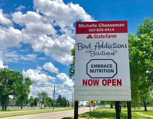Bad Addictions Boutique Sign on MN Hwys 30 & 23 (photo by Erica Volkir)
