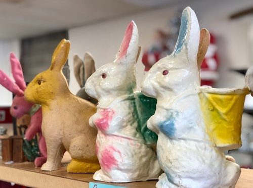 Gallery Image Antique%20Easter%20Bunnies%202%20at%20West%20Main%20Trading%202021-03-12%20by%20Erica%20Volkir.jpg