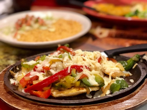 Pollo Feliz at Los Tulipanes Mexican Restaurant in Pipestone MN (photo by Erica Volkir)