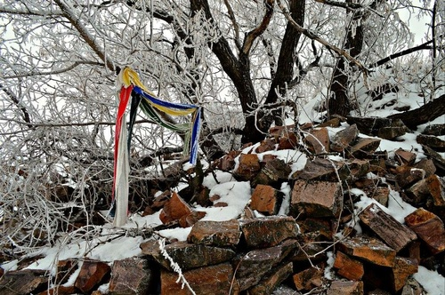 Prayer Flags at Pipestone Quarry - Photo by Rich Gergen