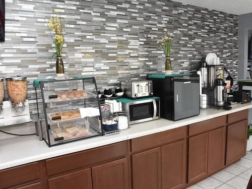 Gallery Image breakfast-area-3_0.jpg