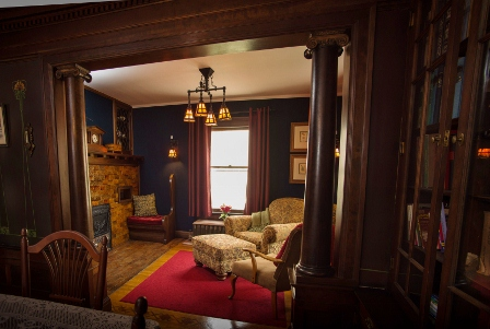 Cartier Mansion - Den